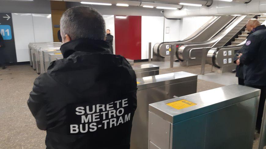 Des controles à la station LA ROSE
