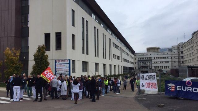 Rassemblement de 110 personnes devant l'hôpital d'Auxerre
