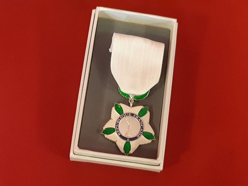 La médaille nationale de reconnaissance aux victimes du terrorisme remise à Raphaël Ruiz