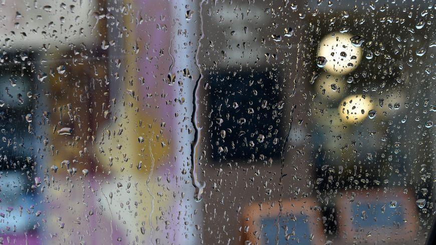Jusqu'à 300 mm de pluie sont envisagés au sud d'une ligne Villefort-Meyrueis.
