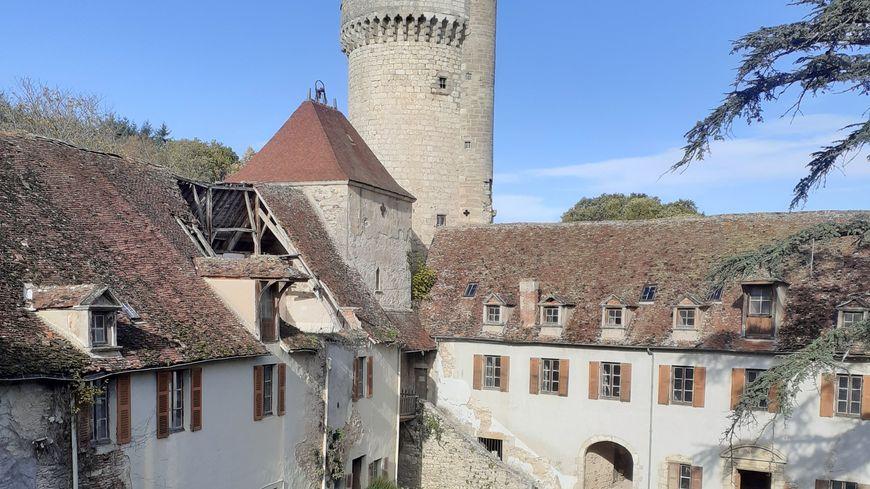 Le château de Veauce dans l'Allier