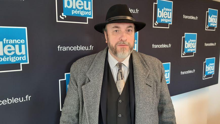Laurent Lemaître-Martin-d'Artus déchiffre le sens des blasons - France Bleu