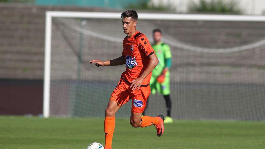 Le jeune défenseur central, Maxence Carlier, prêté par le RC Lens.
