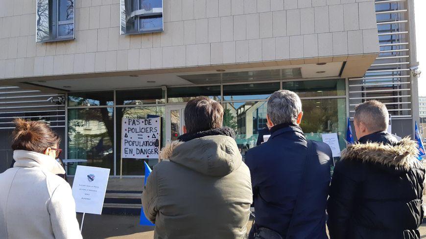 Rassemblement de policiers  à Auxerre