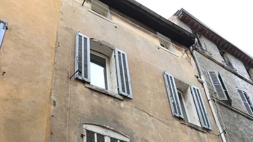L'immeuble infiltré par l'eau, rue des Poilus, à la Ciotat (13)