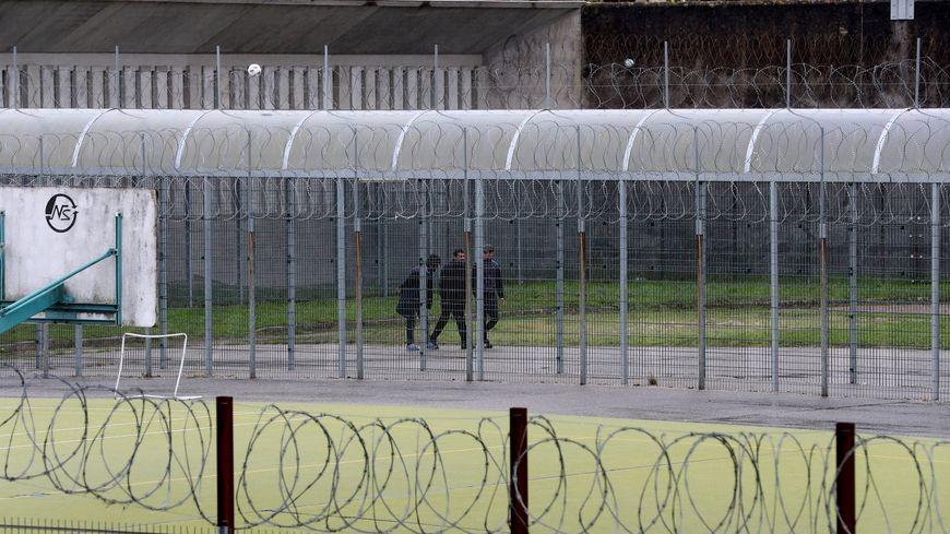 L'auteur présumé des coups mortels est en détention à la prison de Gradignan.