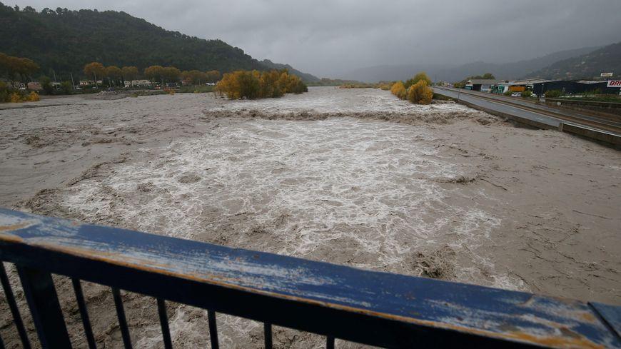 Les rivières et cours d'eau sont en crue dans le Sud-Est (ici les berges du Var)