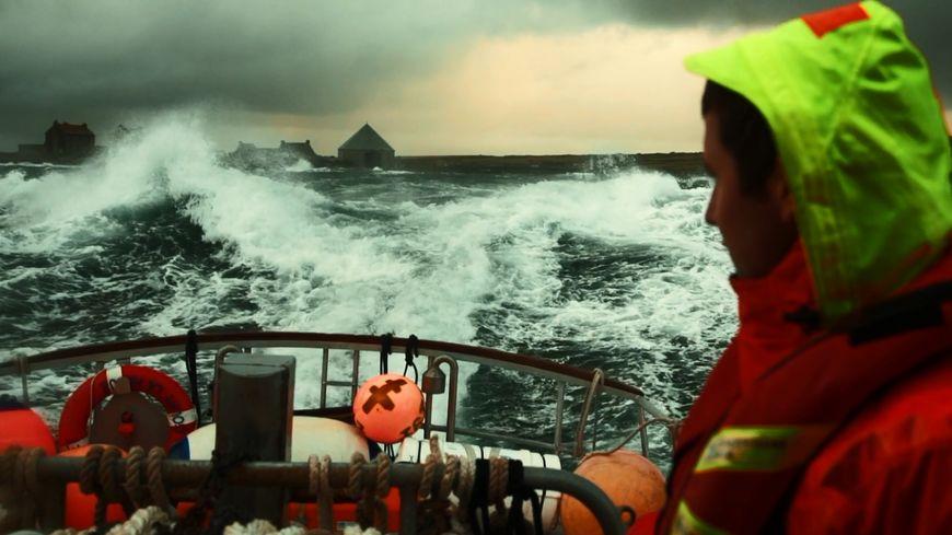 François Dourlen, réalisateur cherbourgeois sort son film pour l'Office du Tourisme du Cotentin. (capture d'écran)
