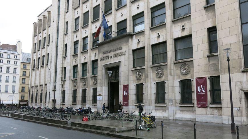 Le Centre du don des corps à la science de l'Université Paris-Descartes, fermé le 27 novembre 2019 sur décision administrative.