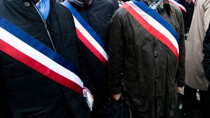 Sur les 272 maires d'Indre-et-Loire, seulement la moitié prévoit de se représenter en mars prochain