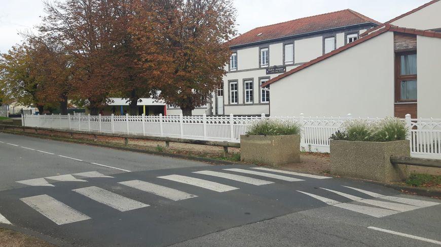 Le maire de Lussat a été agressé lundi matin à proximité de l'école communale