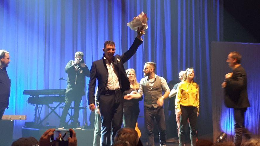 """A la fin du concert, Yves Jamait et ses musiciens ont eu le droit à une longue """"standing ovation"""""""