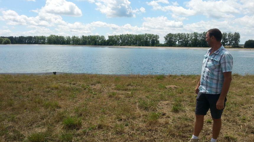Les bassins de rétention d'eau qui irrigue les exploitations d'une vingtaine d'agriculteurs autour d'Aiserey