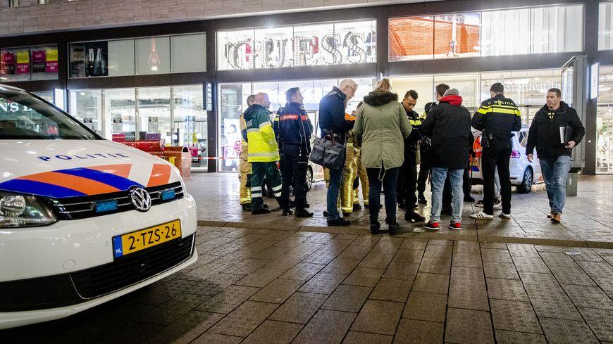 Plusieurs personnes ont été blessées, dans la soirée du vendredi 29 novembre, lors d'une attaque au couteau dans une des rues les plus commerçantes de La Haye