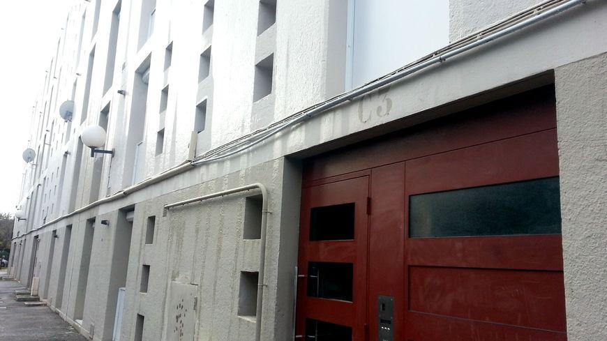 La violente agression a eu lieu dans un appartement de la résidence Saint-Veran à l'Isle-Sur-La-Sorgue