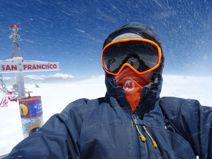 Etienne Loisel au sommet du volcan