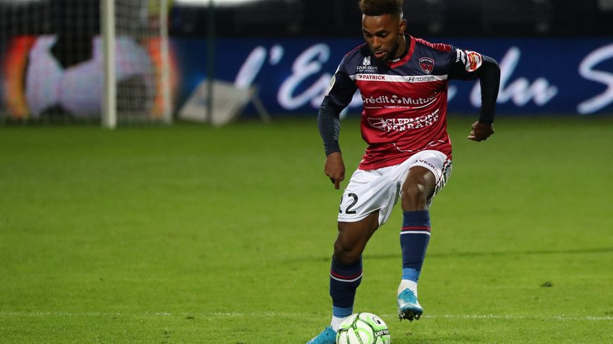 Coupe de France : Saint-Flour sort Ajaccio, Clermont éliminé par Bergerac ! - France Bleu