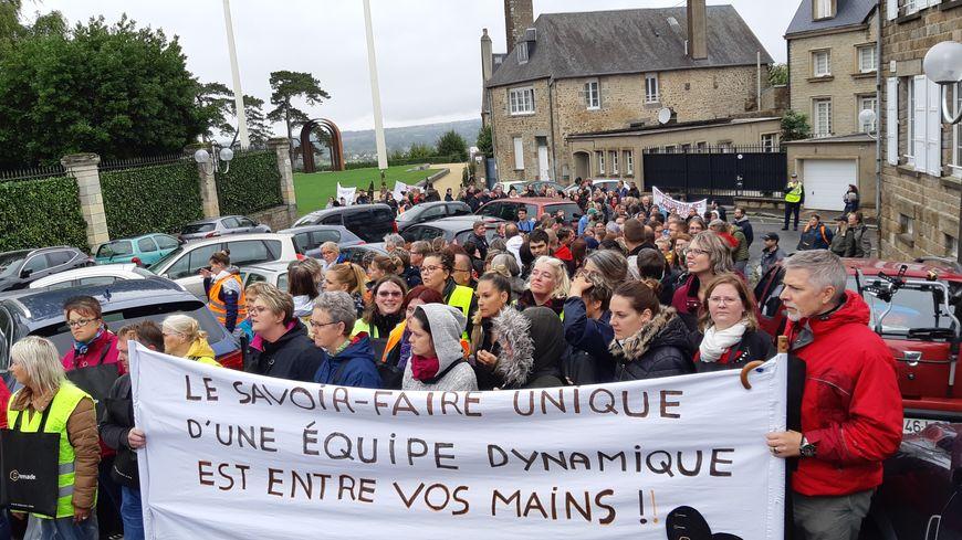 Près de 200 salariés de Remade avaient manifesté dans les rues d'Avranches jeudi 26 septembre.