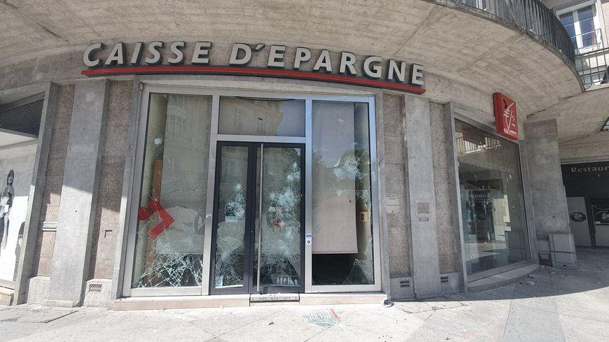 L'acte 28 des gilets jaunes à Amiens marqué par de nombreuses dégradations dans le quartier de la gare