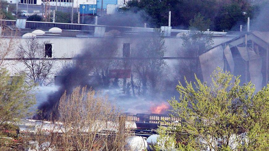 Le 3 avril 2016, plusieurs camions avaient explosé sur le site de Bassens