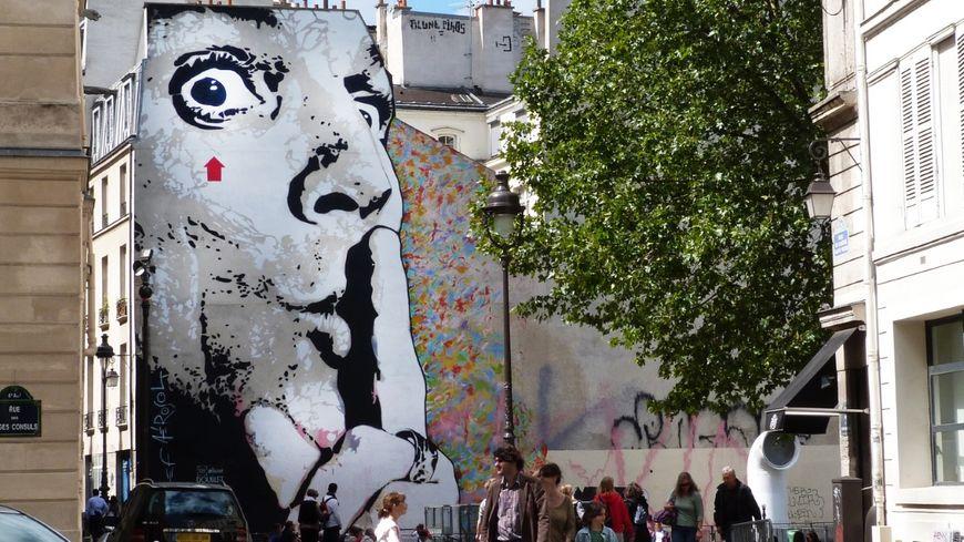 Une oeuvre de Jef à Paris : Jef Aérosol - Chuuuttt !!! - Paris 2011.