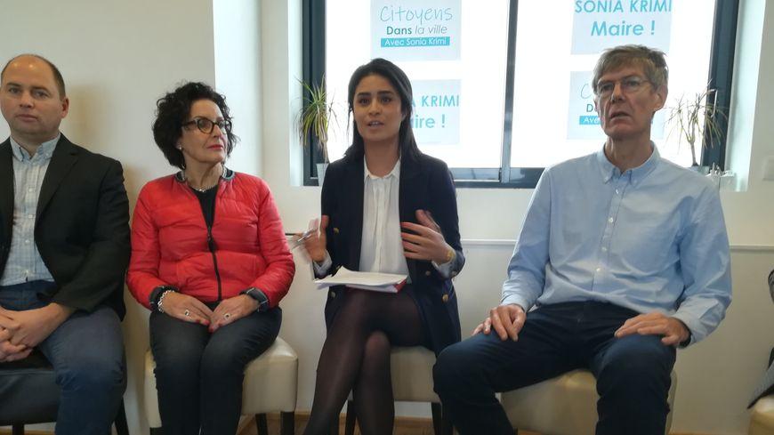 Sonia Krimi annonce prendre la tête d'une liste soutenue par LREM pour les municipales à Cherbourg-en-Cotentin.