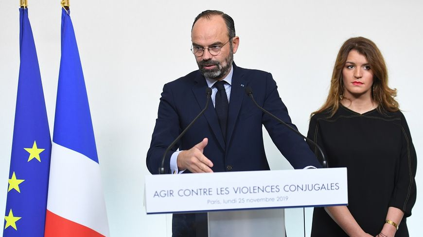 le premier ministre Édouard Philippe avec Marlène Schiappa, chargée de l'Égalité femme-homme.
