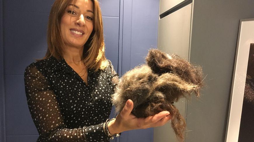 Marie-Louise est la première coiffeuse de Metz à recycler les cheveux.
