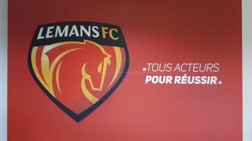 L'une des affiches du club du Mans FC à la Pincenadière