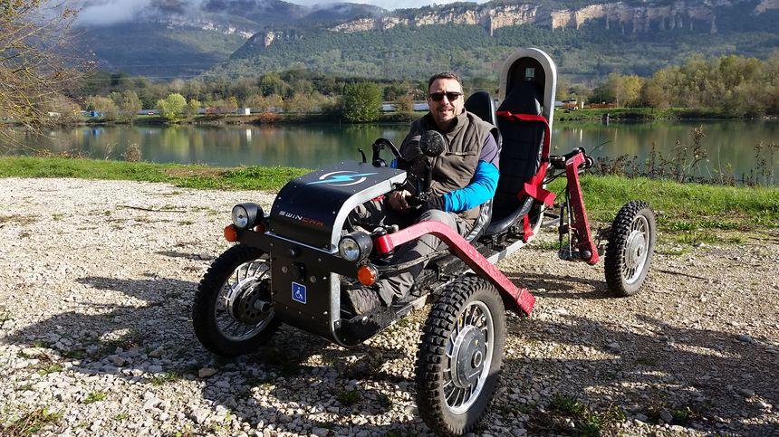 Eric Lenoir (E-mouv' Nature) à bord d'un SWINCAR