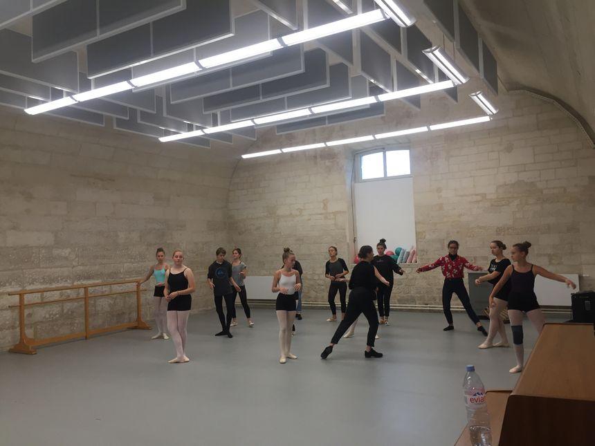 Tous les sols des studios de danse ont été remplacés.