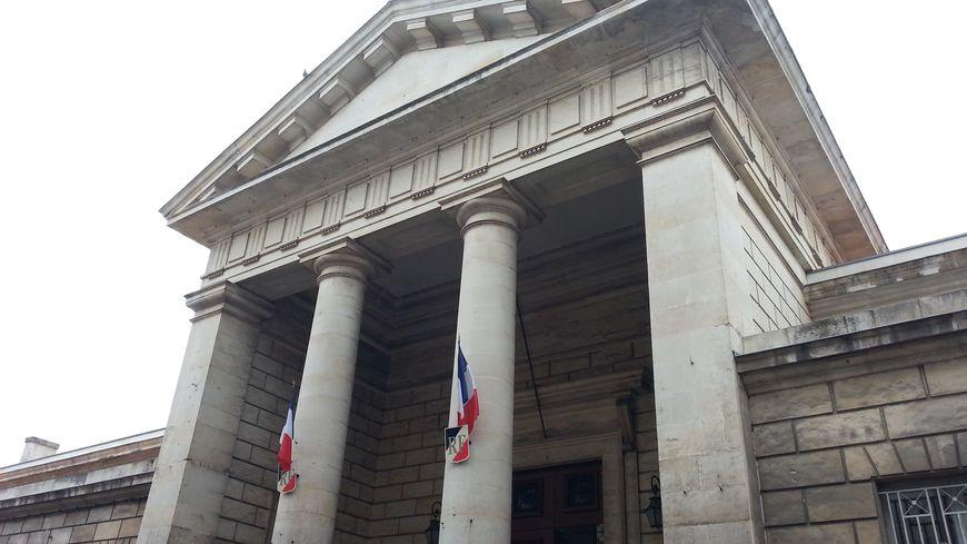 L'homme de 39 ans avait déjà été condamné pour des vols de sacs à main en juin 2019 par le tribunal correctionnel de Niort