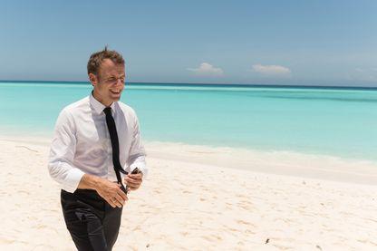 Emmanuel Macron a fait escale sur l'île de Grande Glorieuse, au large de Madagascar