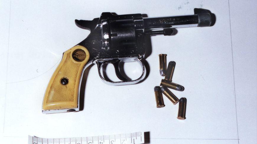 Un revolver calibre 22 (illustration).