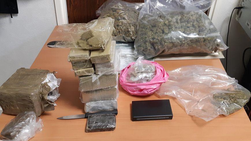 Plus de 3 kilos de résine et 1,5 kilo d'herbe de cannabis saisis dans une voiture à Rennes