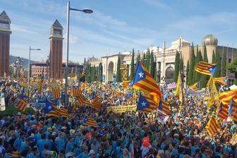 Des centaines de milliers de personnes réunies à Barcelone pour la Diada 2019