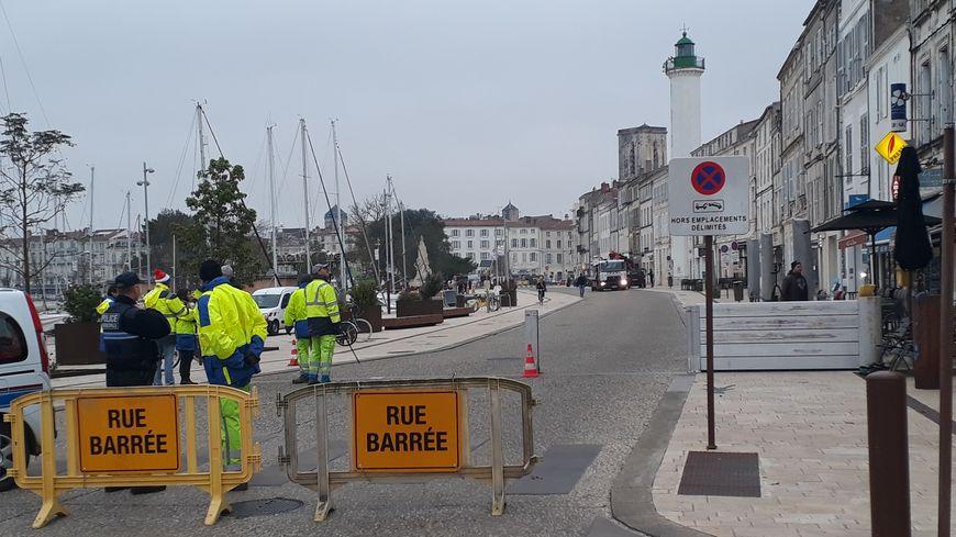 La Rochelle : une barrière mobile anti-inondation pour protéger le Vieux Port - France Bleu