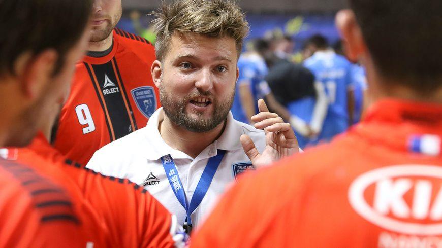 Le coach du GNMHB Benjamin Braux demande à ses joueurs de ne pas sous-estimer Annecy.