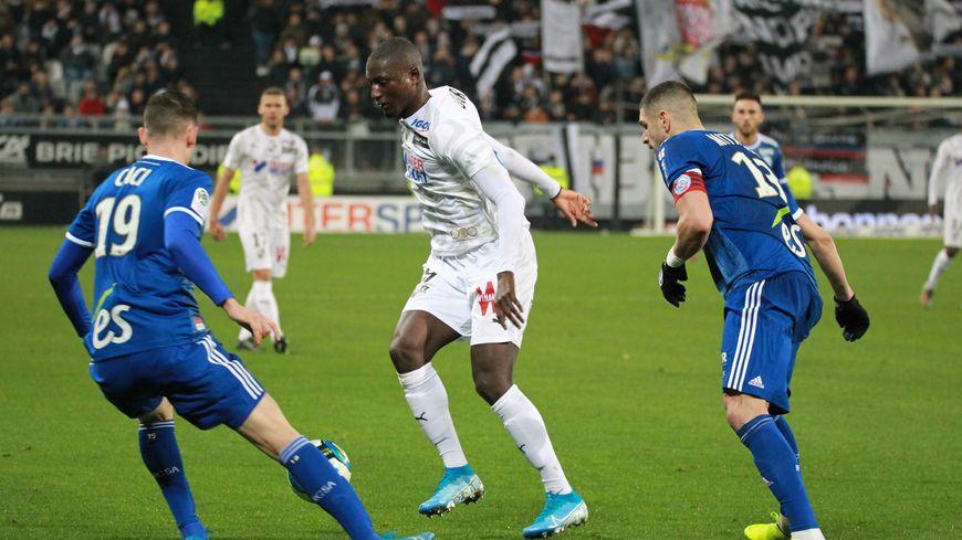 Outrageusement dominé par les Strasbourgeois (4-0), Sehrou Guirassy, n'a pas pu sauver les amiénois du naufrage