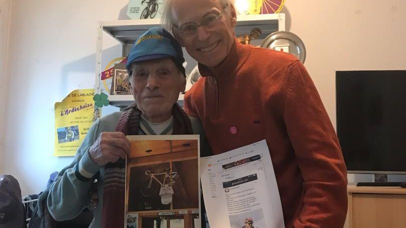 Robert Marchand fête ses 108 ans à Mitry-Mory en région parisienne avec le président de l'Ardéchoise Gérard Mistler
