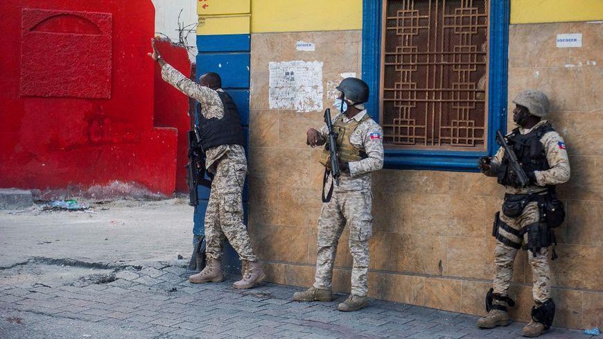 Haïti est en pleine crise politique et sociale, avec des manifestations très violentes.
