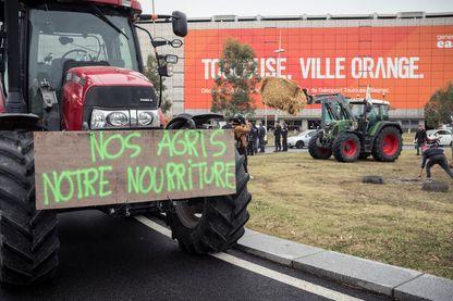 Des agriculteurs luttent contre l'agribashing, lors d'une manifestation à Toulouse.