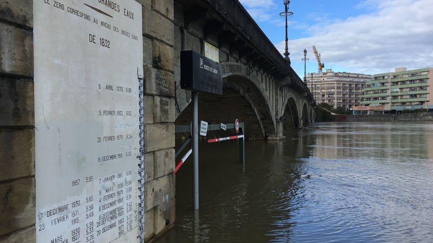 Les hauteurs d'eau atteintes ont été jusqu'à trois fois et demi plus élevées que d'habitude en novembre.