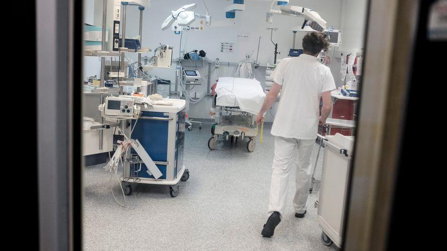 Les urgences n'ont pas pu sauver le bébé (illustration).