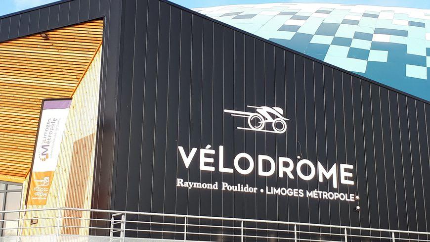 """Le vélodrome de Bonnac-la-Côte a été baptisé """"Raymond Poulidor"""" en janvier 2016, après une consultation lancée auprès des haut-viennois."""