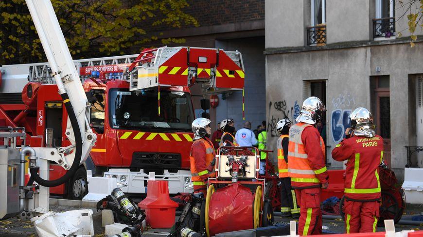 Un violent incendie s'est déclaré dans un immeuble de quatre étages ce dimanche midi à Ivry-sur-Seine