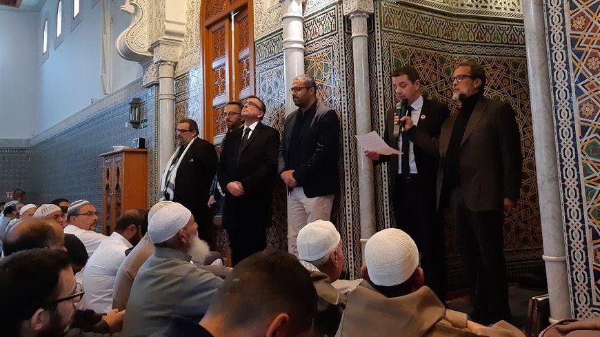 Gaël Perdriau a pris la parole avant la prière du vendredi à la Grande mosquée de Saint-Étienne.