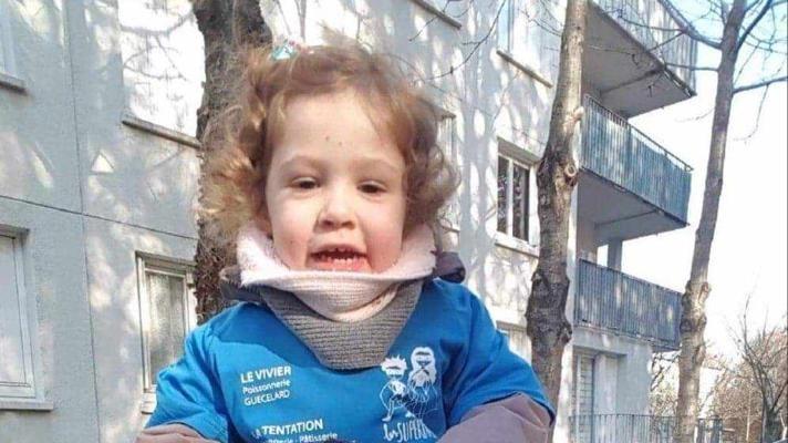 Emy, âgée de quatre ans aujourd'hui, s'est retrouvée dans le coma, à neuf mois, lorsque le diabète s'est déclaré