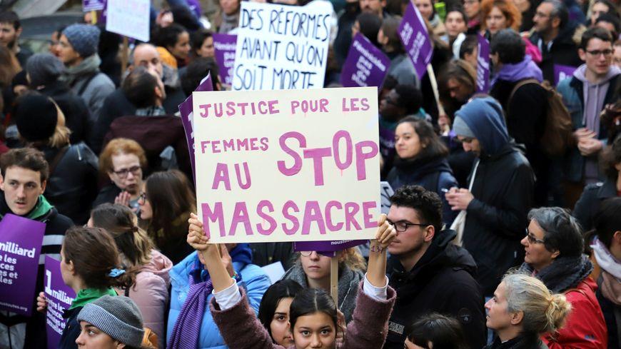 Une marche pour lutter contre les violences faites aux femmes à eu lieu le 25 novembre.