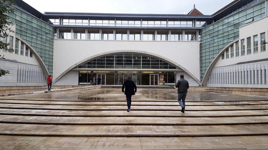 Luce B. a été condamnée une première fois à cinq ans de prison par le tribunal de Vesoul
